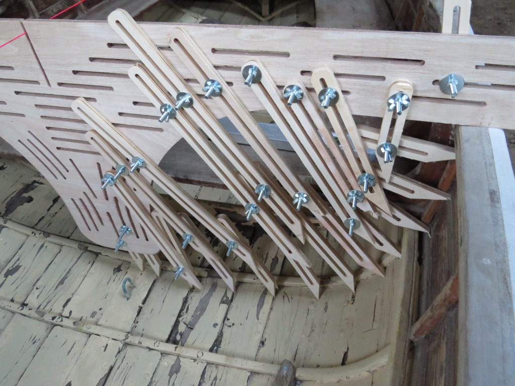 Slotted spiling board